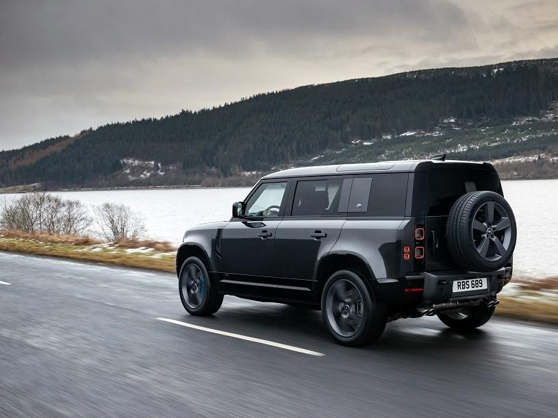 Land Rover Defender Estate 5.0 P525 110 5dr Auto